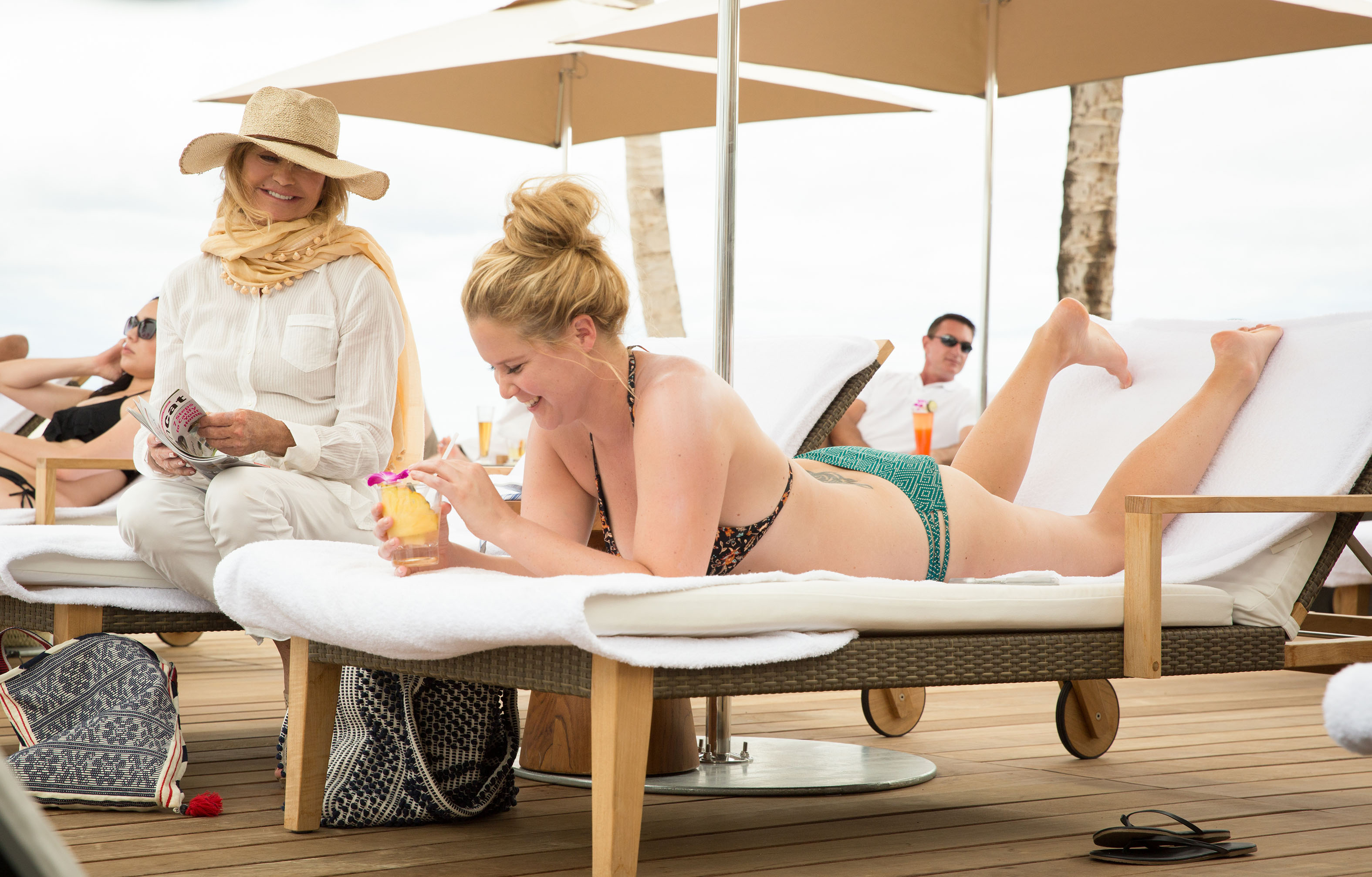 An Interview with Amy Schumer & Goldie Hawn on the New 'Snatched' Movie