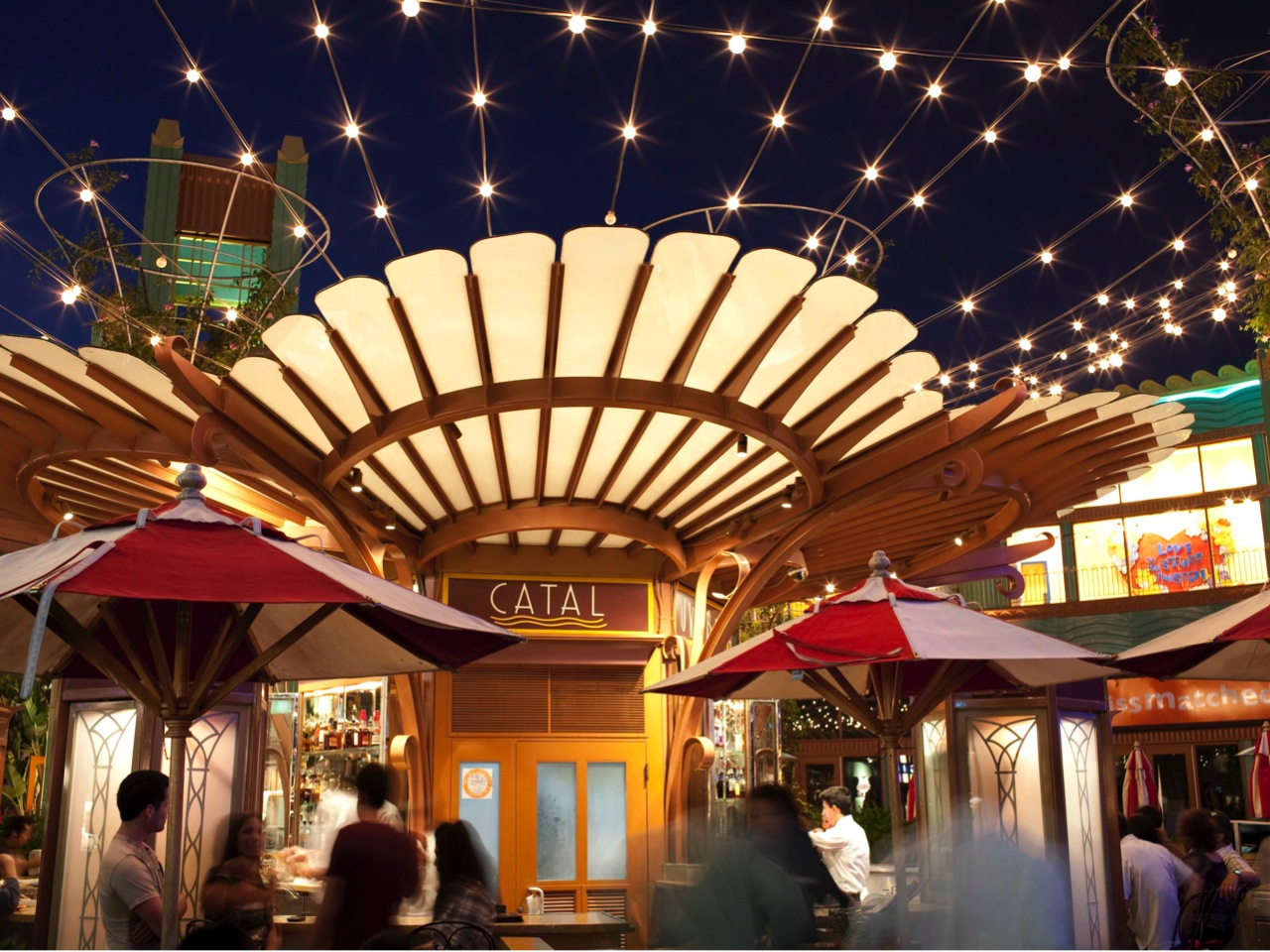 Plan the Perfect Valentine's Date Night in Downtown Disney